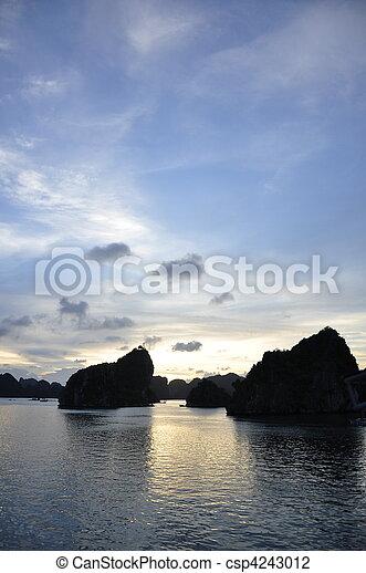 Halong Bay - csp4243012