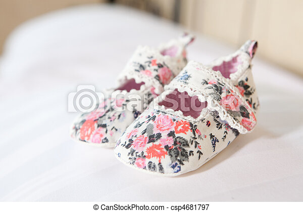 Hand made baby shoes - csp4681797