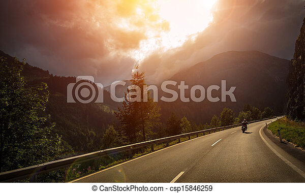 handling, lys, solnedgang, motorcyklist - csp15846259