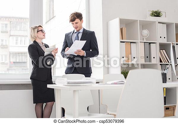 handlowe biuro, ludzie - csp53079396