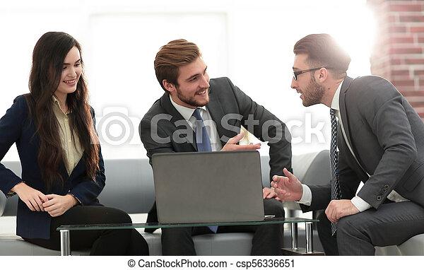 handlowy, biuro., praca, trzy, planowanie, drużyna - csp56336651