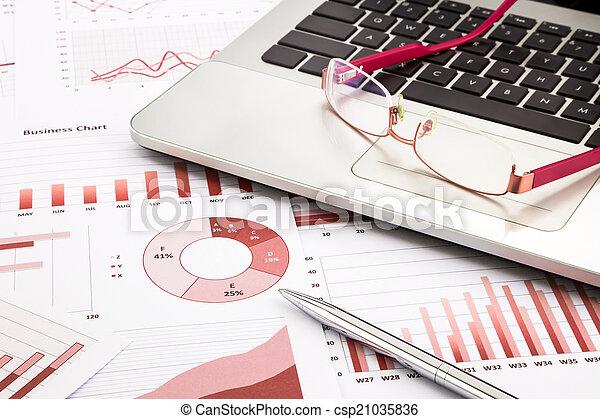 handlowy, wykresy, wykresy, praca badawcza, laptop, czerwony, okulary - csp21035836