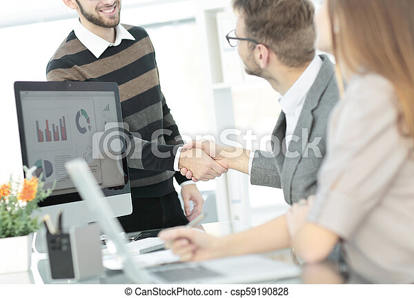 handslag, klient, chef, välkommanden - csp59190828