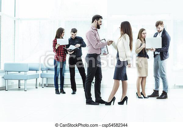 handslag, kontor, välkommen, chef, klient, påtryckningsgrupp - csp54582344