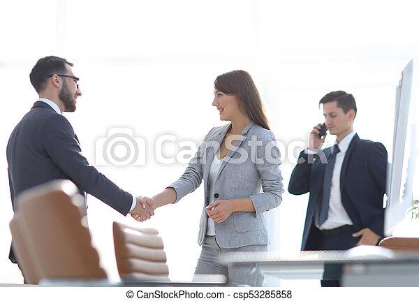 handslag, välkommen, chef, klient - csp53285858