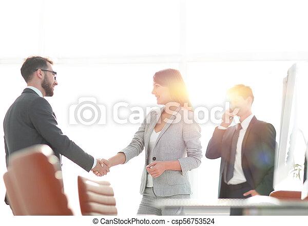 handslag, välkommen, chef, klient - csp56753524