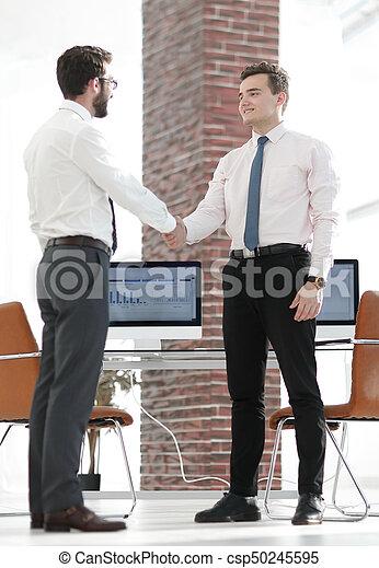 handslag, välkommen, chef, klient - csp50245595