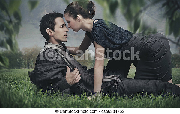 Handsome young couple posing - csp6384752