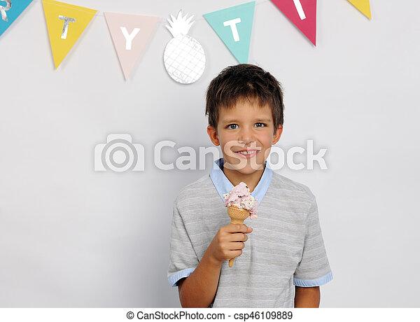 happy boy with ice cream - csp46109889