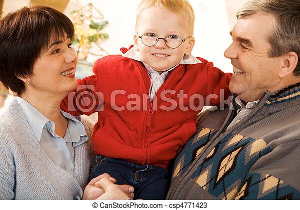 Happy family - csp4771423