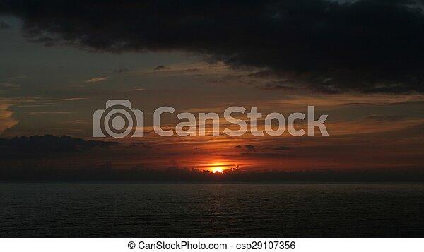 Hartland Coucher De Soleil Coucher De Soleil Sur La Mer Nuages