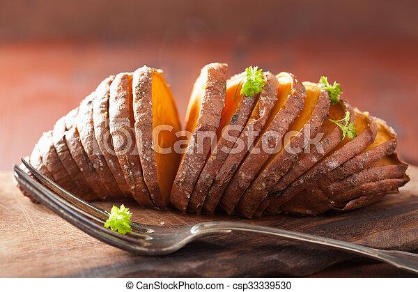 hasselback, batata assada - csp33339530