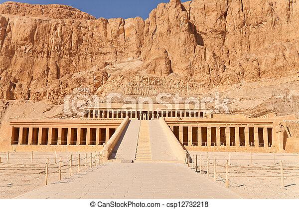 hatshepsut, 寺院 - csp12732218