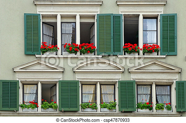 haus gr n fensterl den blume haus k sten gr n fensterl den front geranien rotes. Black Bedroom Furniture Sets. Home Design Ideas