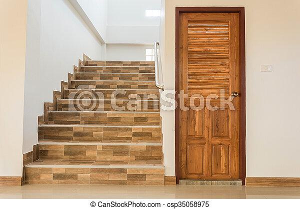 Treppenaufgang Tür haus holz tür treppenaufgang wohnhaeuser stahl tür bild