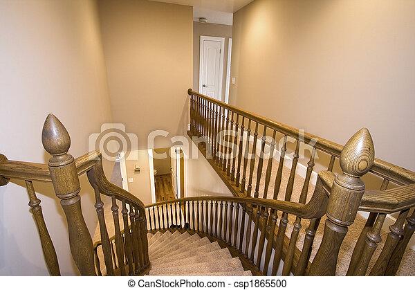 Haus Treppenaufgang Unten Haus Schauen Treppenaufgang