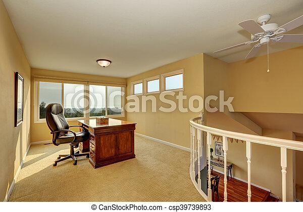 Haut bureau jaune tones. conception intérieur maison. usa