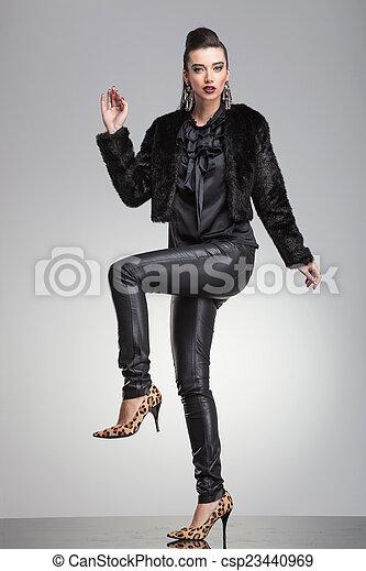 haut., femme, jambe, une, mode, poser, main