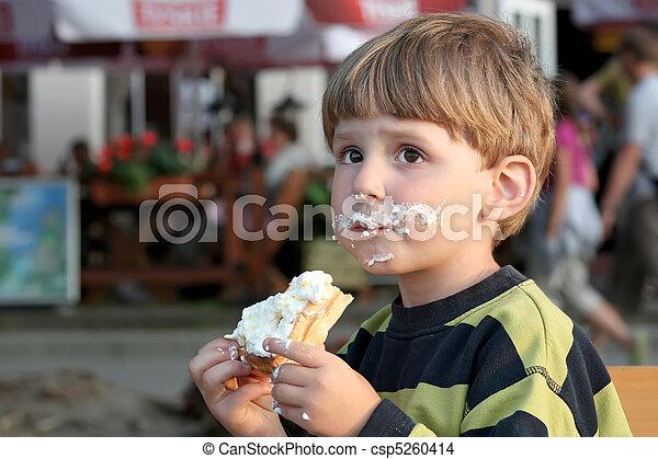 Having snack. - csp5260414