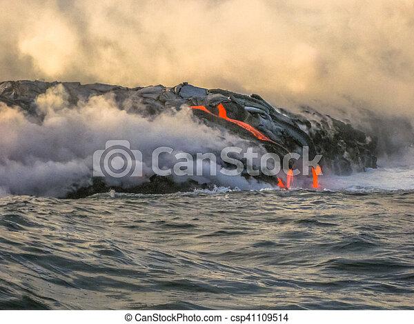 Hawaii lava eruption - csp41109514