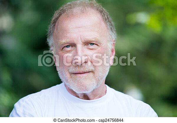 Headshot confident man - csp24756844