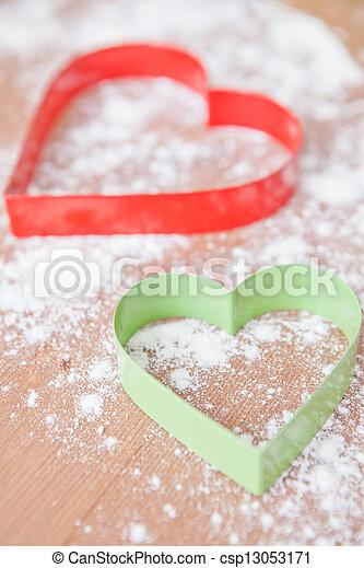 Heart shaped gingerbread cutters - csp13053171