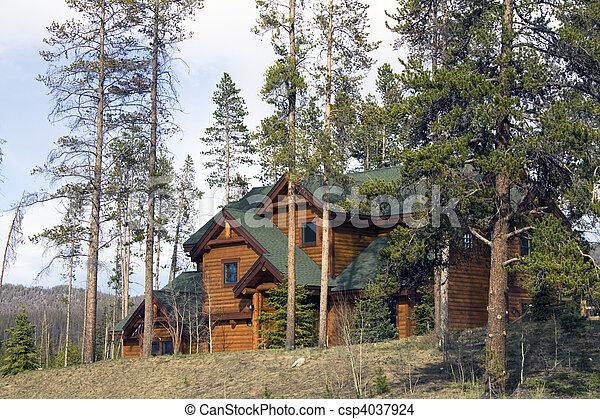 hegy, épület - csp4037924