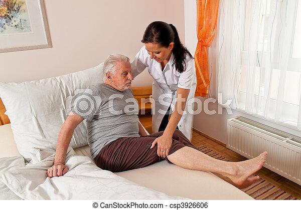 heime, krankenpflege, senioren, krankenschwester, antikisiert, sorgfalt - csp3926606