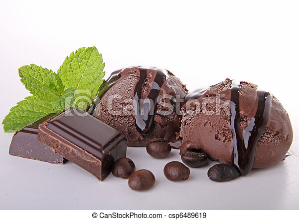 Helado de chocolate - csp6489619
