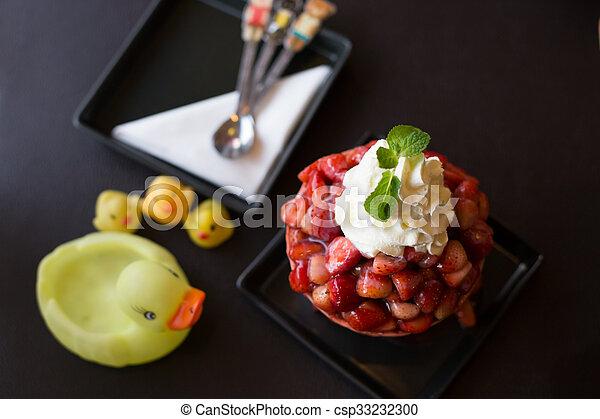 Helado de fresa - csp33232300