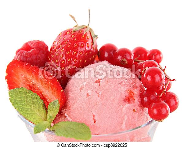Helado de fresa - csp8922625