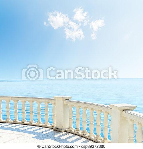 hemel, bewolkt, zee, onder, balkon, aanzicht - csp39372880