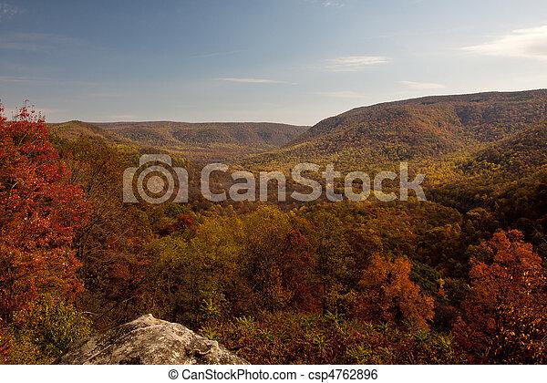 Im Herbsttal - csp4762896