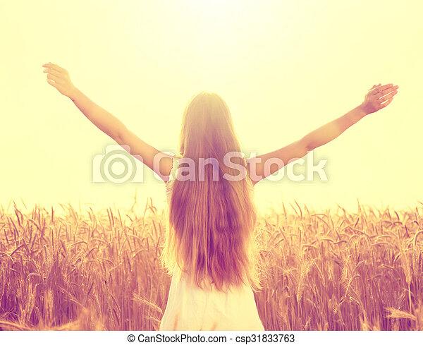 herfst, akker, meisje, het genieten van, natuur - csp31833763