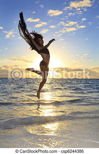 Hermosa bailarina negra saltando - csp6244386