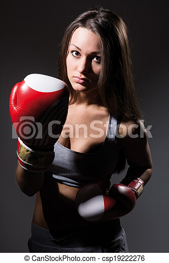 Hermosa chica de boxeo, fitness - csp19222276