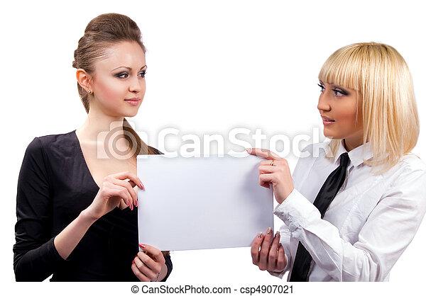 hermoso, dos mujeres - csp4907021