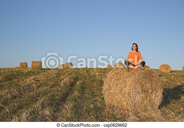 hermoso, elaboración, mujer, yoga - csp0629662