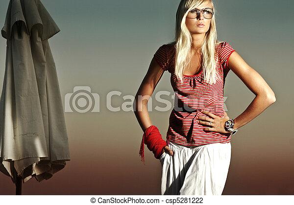 hermoso, foto, moda, rubio - csp5281222