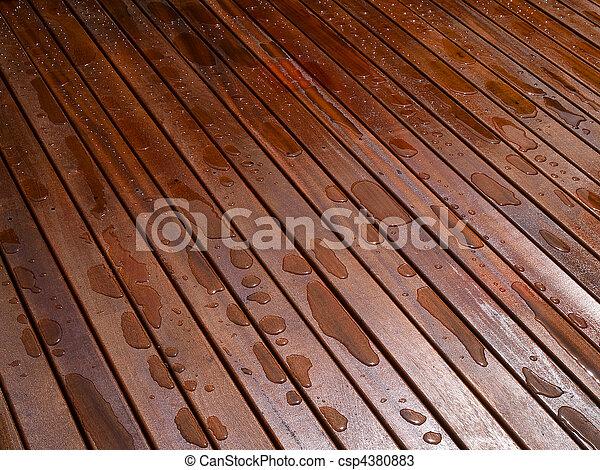 Hermoso piso de madera de caoba - csp4380883