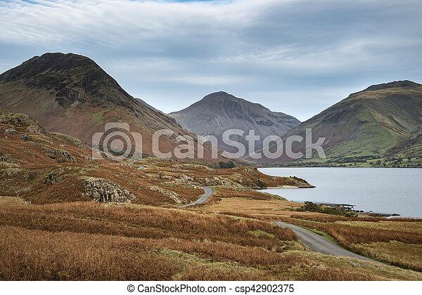 hermoso, montañas, inglaterra, lkae, distrito, imagen, agua de wast, otoño, ocaso, paisaje - csp42902375