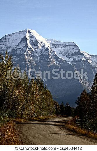 Monte Robinson en la hermosa Columbia Británica - csp4534412