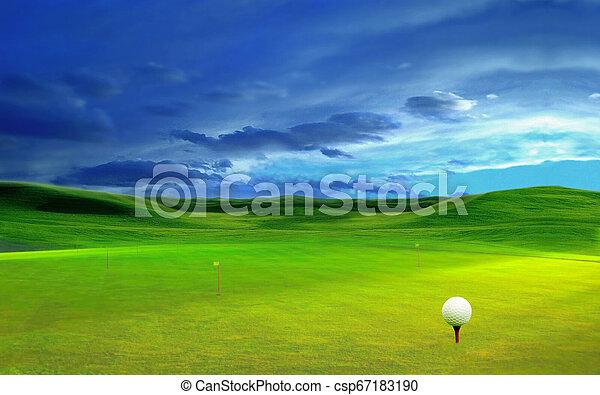 Bola de golf en un hermoso paisaje natural. - csp67183190