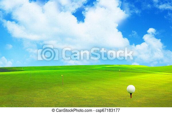 Bola de golf en un hermoso paisaje natural. - csp67183177