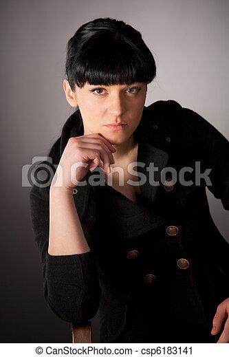 Retrato de hermosa chica - csp6183141