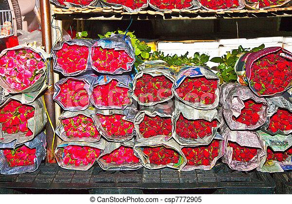 hermoso, rosas, flor, central, mercado - csp7772905