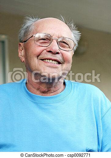 het glimlachen, bejaarde - csp0092771