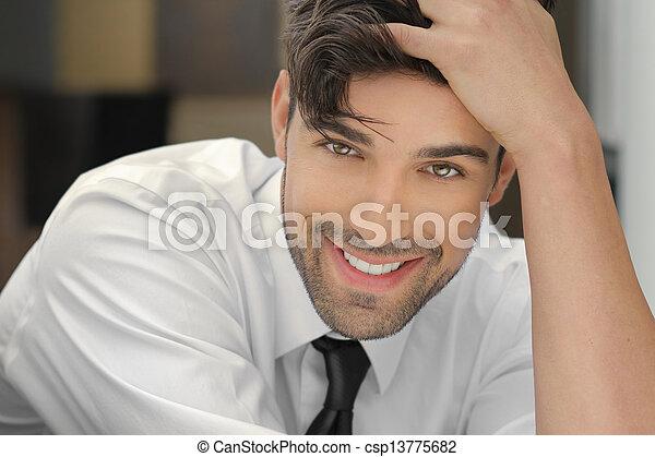 het glimlachen, kerel, mooi - csp13775682