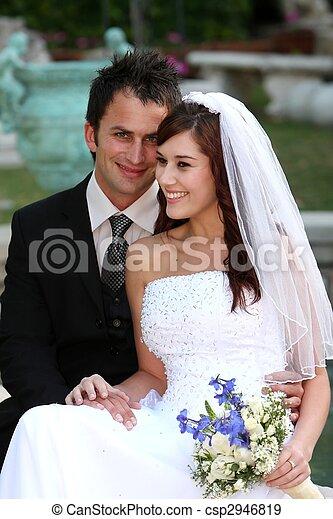 het glimlachen, paar, mooi, trouwfeest - csp2946819