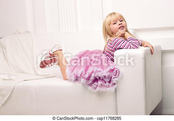 heureusement, sofa, peu, poser, girl - csp11768285